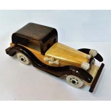 Автомобиль маленький, дерево 19*7*7 см.