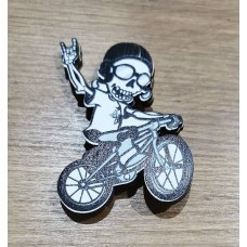 """Значок деревянный """"Скелет на велосипеде"""""""