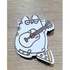 """Значок деревянный """"Котик с гитарой"""""""